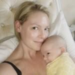 Кэтрин Хейгл показала трогательные фото с новорожденным малышом