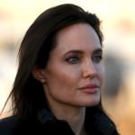 Анджелина Джоли покупает землю, принадлежащую «красному кхмеру»