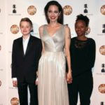 Анджелина Джоли на красной дорожке церемонии вручения премии Annie Awards вместе с дочерьми