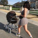 Кайли Дженнер прогулялась с дочерью Сторми в total look Fendi