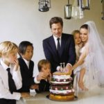 Инсайдер говорит: Анджелина Джоли и Брэд Питт никак не могут развестись