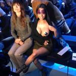 Ники Минаж пришла на модный показ, обнажив грудь