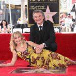 Голди Хоун и Курт Рассел получили звезды на Аллее славы