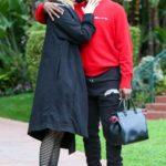 Лора Дерн встречается со звездой NBA