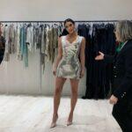Ким Кардашьян в суперкоротком металлическом платье с блестками